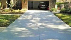 Cleaned driveway in cobb's landing palm harbor