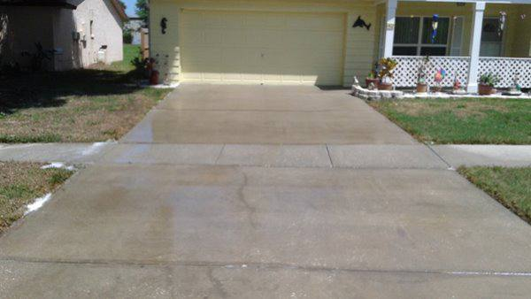 Cleaned driveway. Holiday Fl
